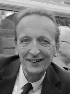 "Pierre Janssen met dochter Evelyne in naar hem genoemde ""Museumschool"" die zojuist in Amsterdam gedoopt is *11 mei 1987"